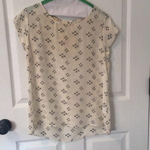 Beautiful silk blouse with arrow print